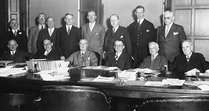 a boys club (directors of the Associated Press in 1930)