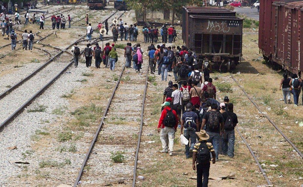 Inmigrantes en la frontera entre EEUU y México