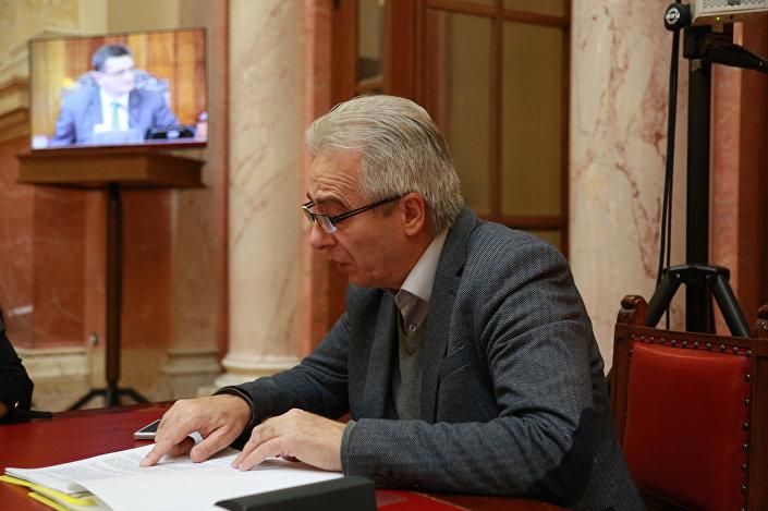 Milovan Drecun speaking to Sputnik Serbia about the KLA's alleged organ harvesting activities.