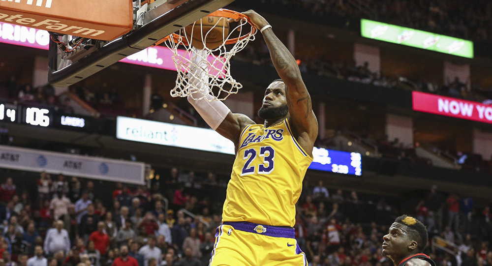 Dec 13, 2018; Houston, TX, USA; Los Angeles Lakers forward LeBron James (23) dunks against the Houston Rockets during the fourth quarter at Toyota Center