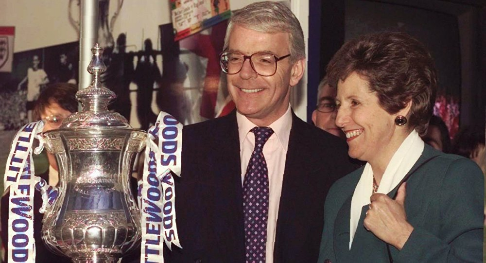 John Major, and his wife Norma, posing with the Littlewoods Cup during the 1997 election campaign