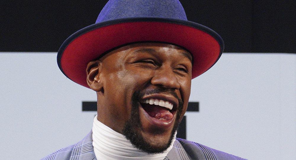 American boxer Floyd Mayweather Jr. smiles