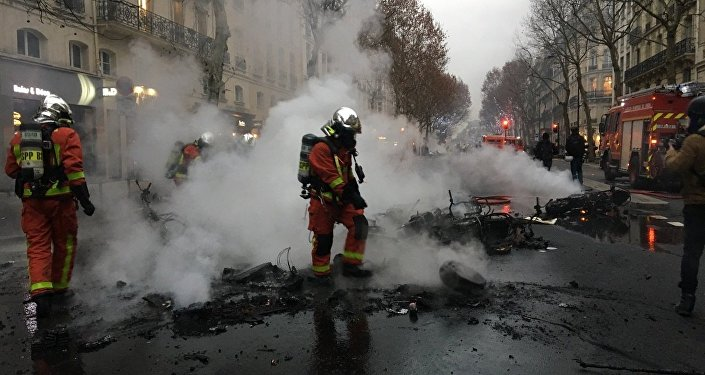 Aftermath of Yellow Vests protest in Paris