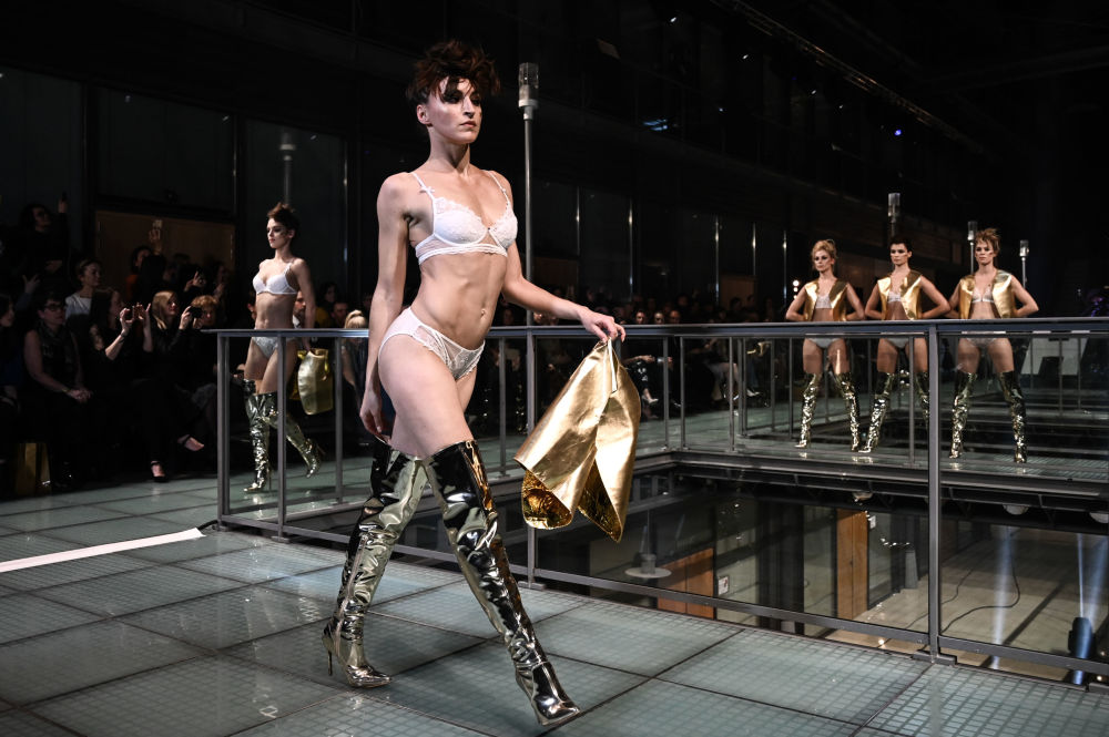 'Lingerie Rocks': Spectacular Musical Fashion Show Hits Paris