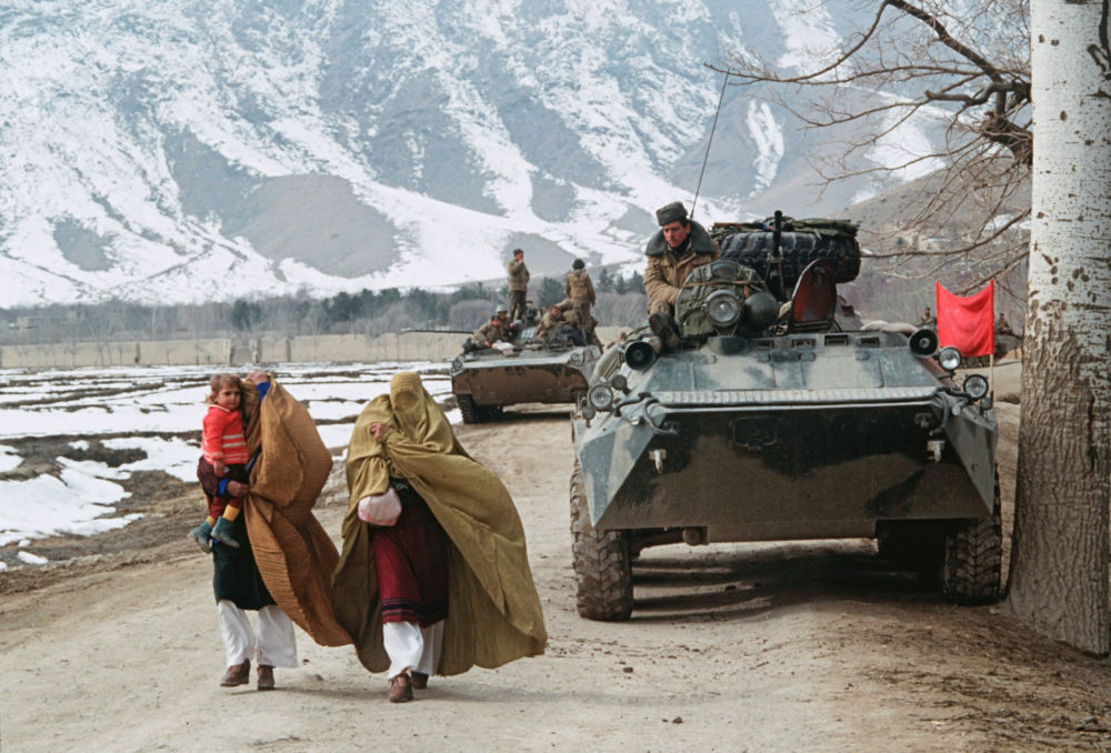 The first colum of Soviet troops crossing Salang Pass on the road home.