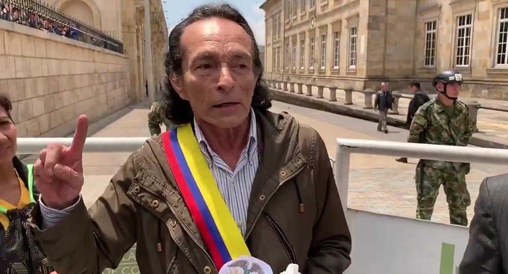 Meet the new self-declared President of Colombia, Alejandro Muñoz