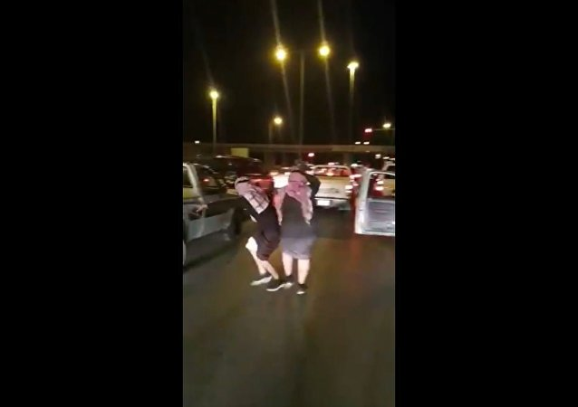 Saudi Men Dance While Waiting at Red Traffic Lights