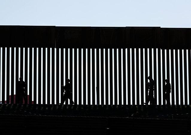 Border Patrol agents patrol the San Ysidro border crossing after the border between Mexico and the U.S. was closed in the San Ysidro neighborhood of San Diego, California, U.S. November 25, 2018