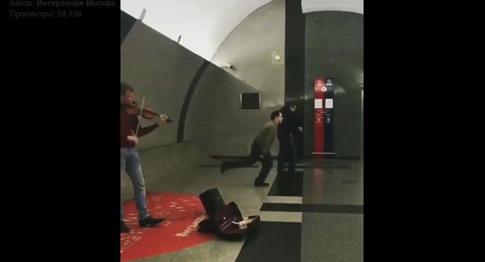 Патихард в московском метро