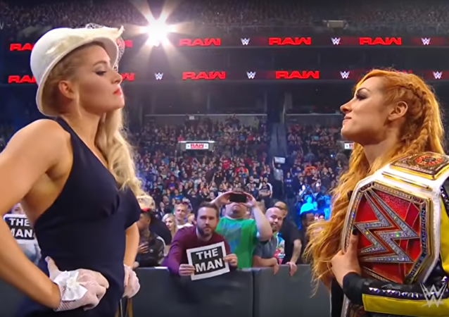 Becky Lynch vs Lacey Evans