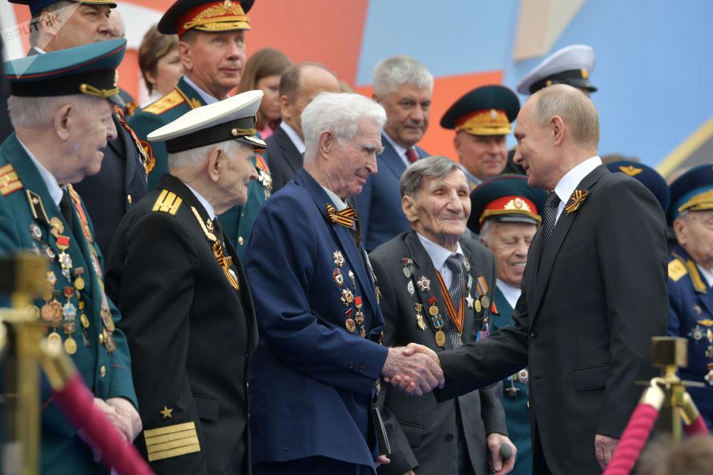 Russian President Vladimir Putin Greets Veterans