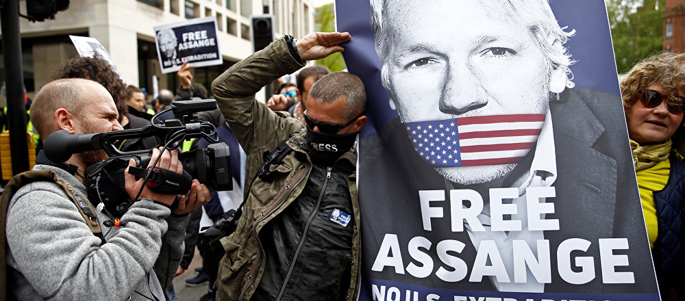 Demonstrators protest outside of Westminster Magistrates Court, where Wikileaks founder Julian Assange had a U.S. extradition request hearing, in London, Britain May 2, 2019