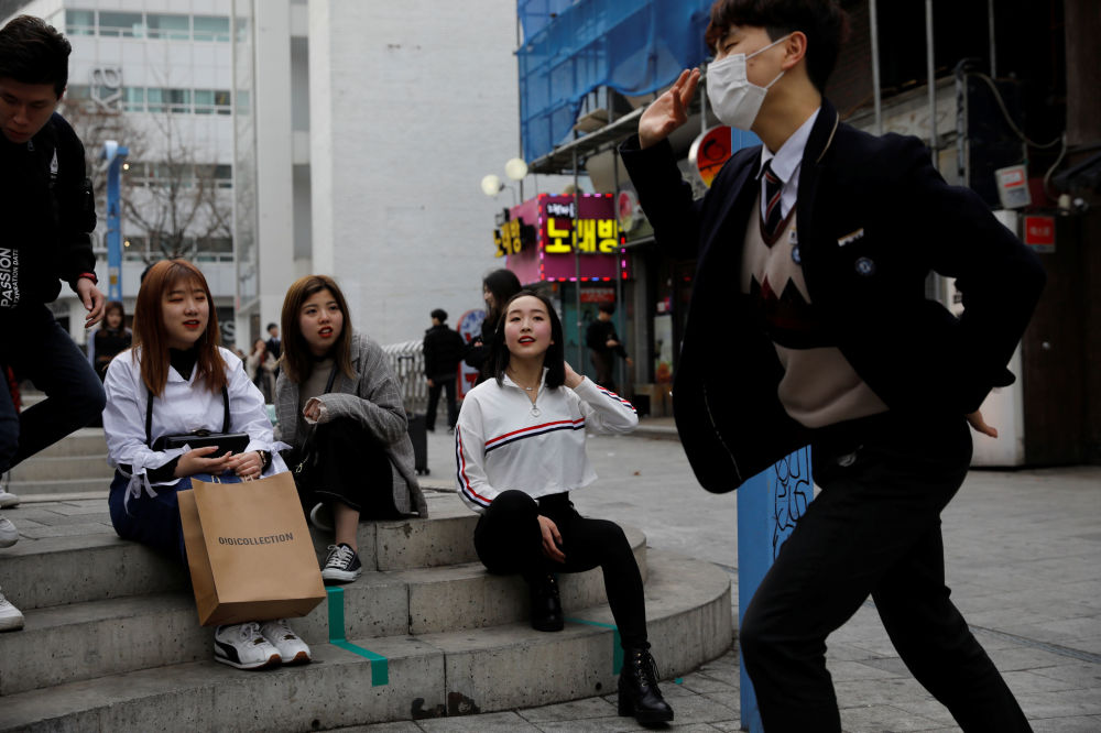 Wishing on a Star: Japanese Girls Dream to Become K-Pop Celebrities in S Korea