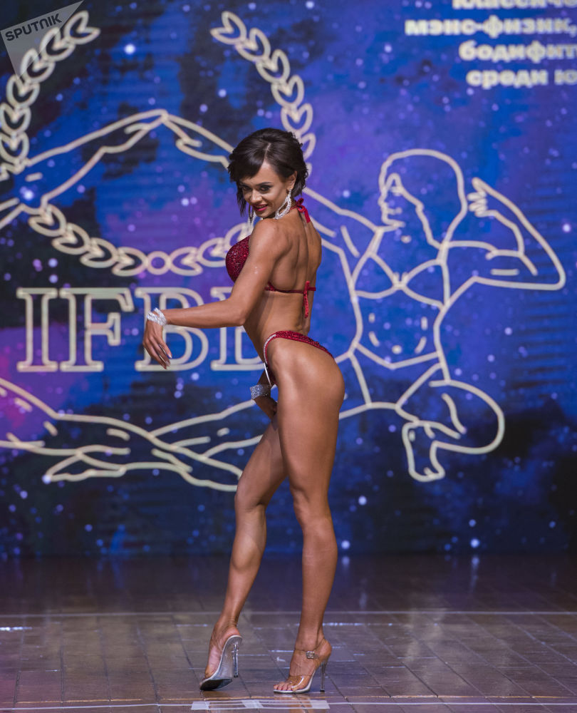 Women With Perfect Bodies and Strong Muscles: Asian Bodybuilding Championships