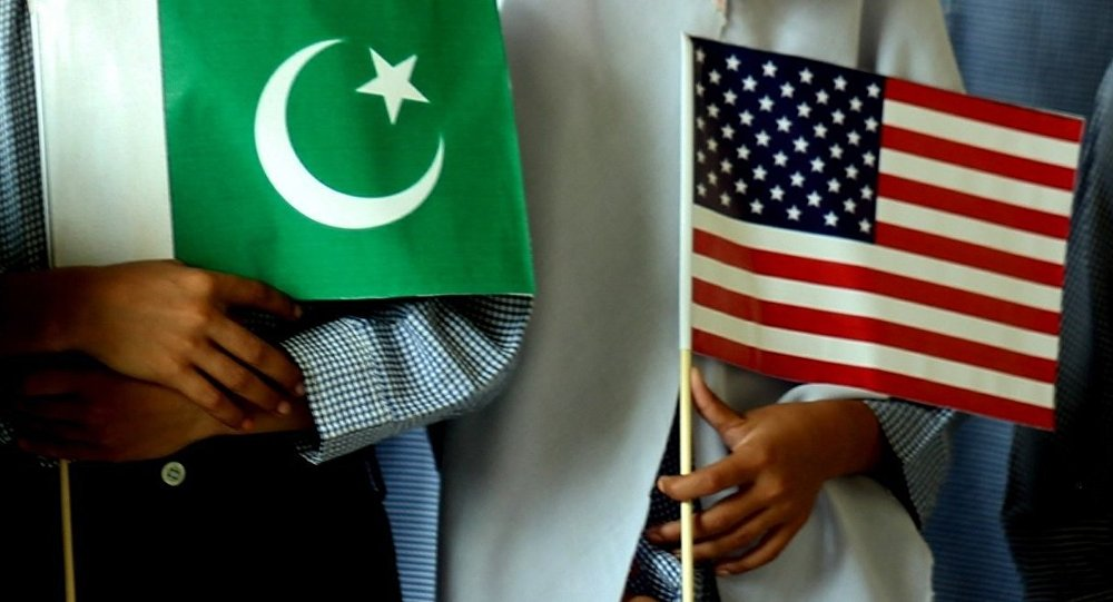 US  Pakistan flags