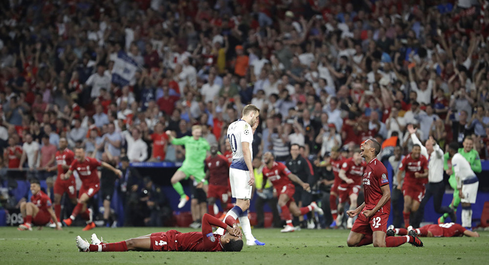 Liverpool Win 2018-2019 UEFA Champions League, Defeating