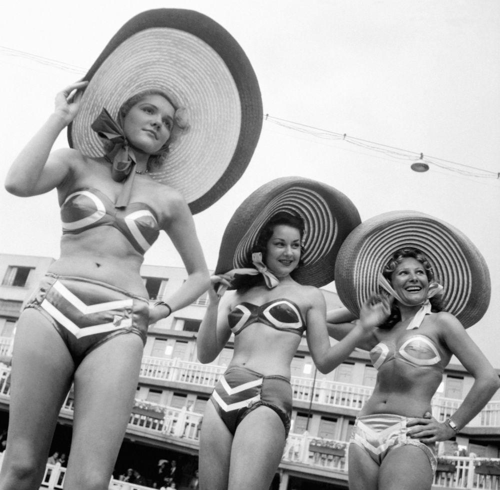 A bikini fashion show in Paris