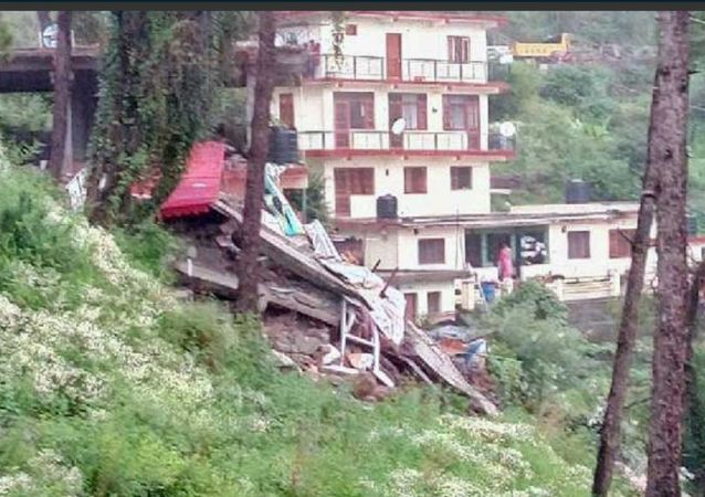 Collapsed building in India