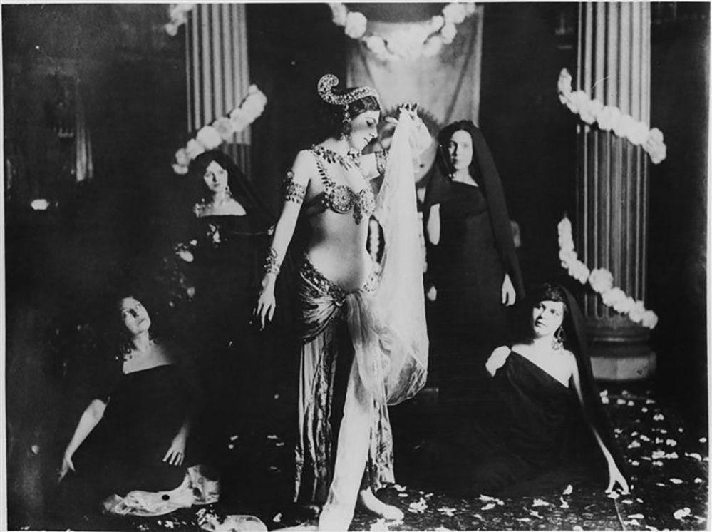 Mata Hari, Paris, Museum Guimet, 1905