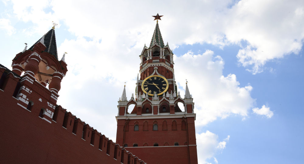 Spasskaya (right) and the Tsar's towers of the Moscow Kremlin.