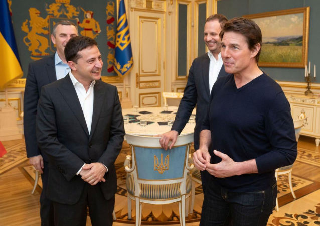 Ukraine's President Volodymyr Zelenskiy meets with actor and producer Tom Cruise in Kiev, Ukraine September 30, 2019. Picture taken September 30, 2019