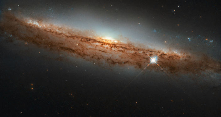Space Web: Researchers Spot Giant Gas 'Pipeline' Feeding Behemoth Galaxies and Connecting Universe