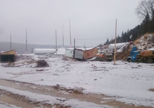 The collapse of a dam on a water reservoir belonging to a gold-mining company near the settlement of Shchetinkino in the Kuraginsky district occurred at 02:00 a. m. on Saturday