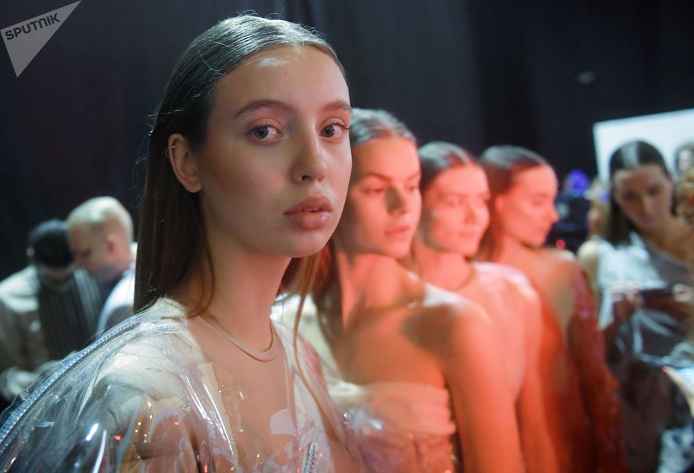 Cosmic Chic and Russian Motifs: Mercedes-Benz Fashion Week in Moscow