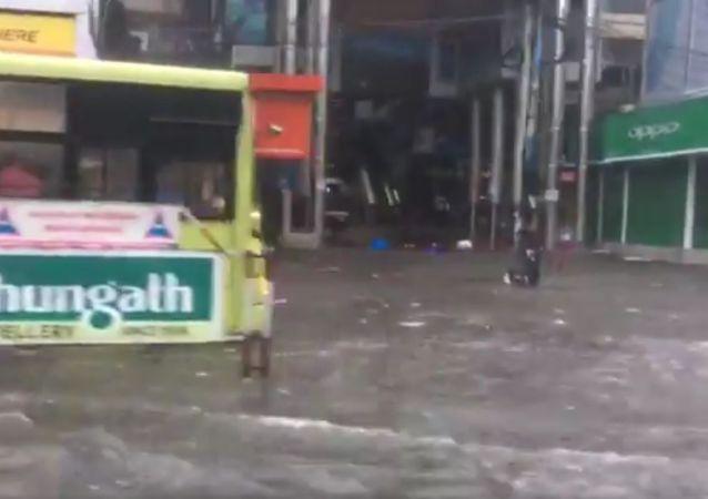 Heavy rains in  Kerala, with  Kochi receiving the highest 80 mm rains
