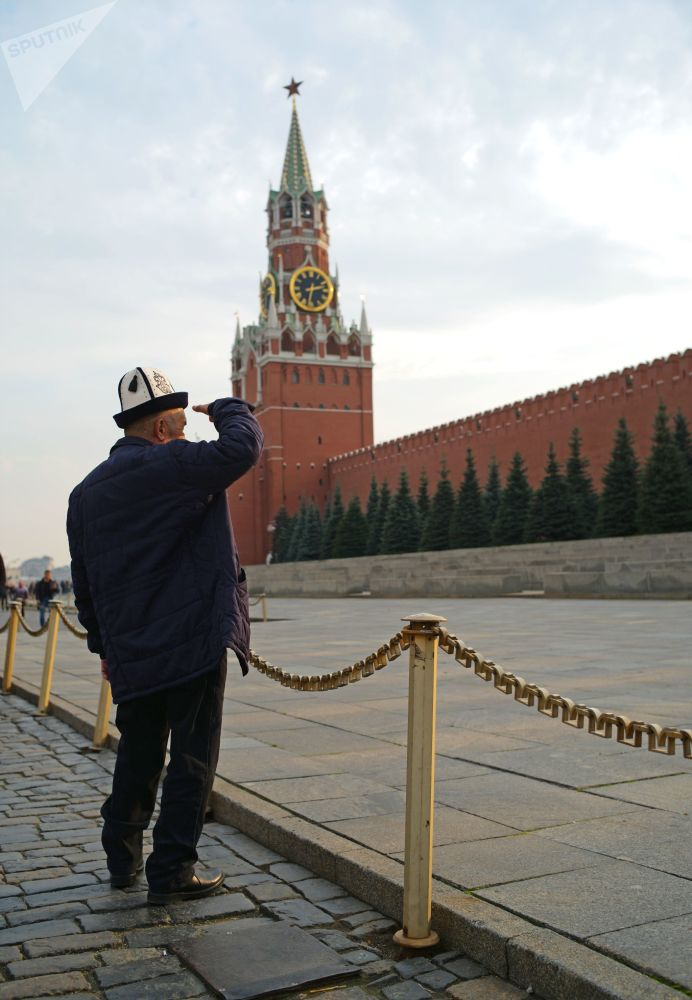 First Stop in Russia: Red Square is Top Attraction for Foreign Tourists in Moscow