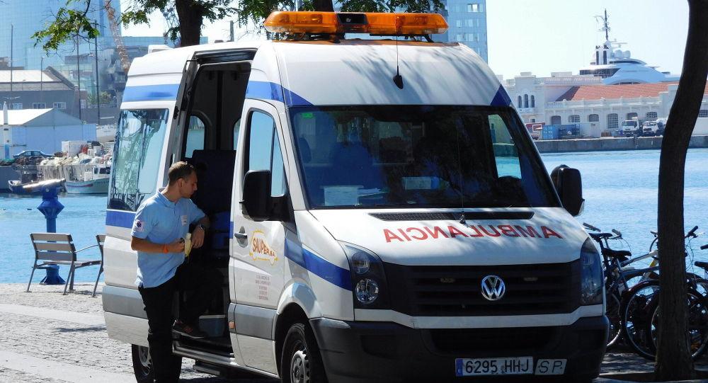 Sauper S.A. Volkswagen Crafter ambulance, Barcelona, Spain