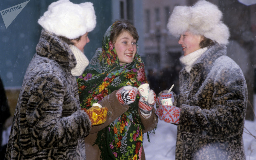 Girls eat ice cream