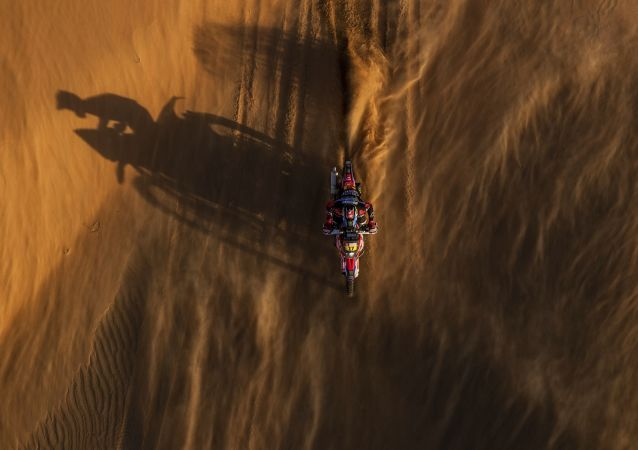 Sand, Heat, Roar of Engines: Best Moments of 2020 Dakar Rally in Saudi Arabia