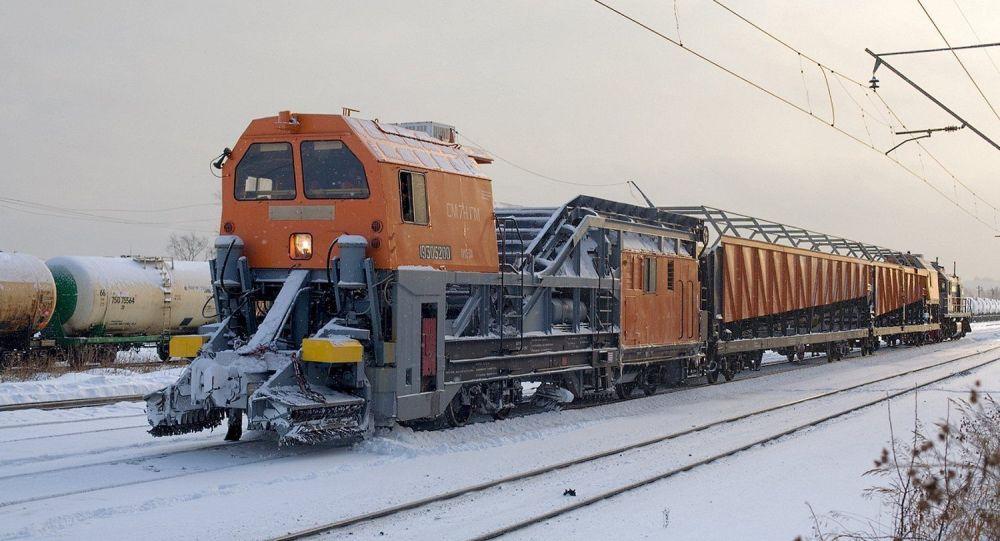 Finns Wowed by Speedy Russian 'Snow-Eater' Train