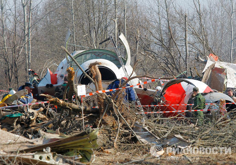 Search efforts continue at crash site in Smolensk woods
