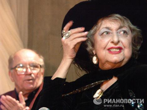 Н.Дурова и Л.Дуров на юбилейном вечере в Театре Дурова