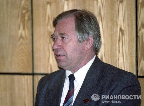 Василий Стародубцев