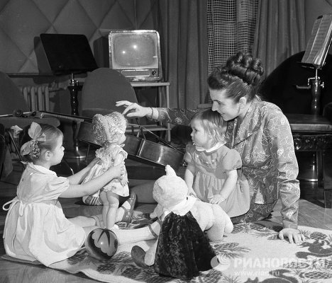 Оперная певица Вишневская с дочерьми