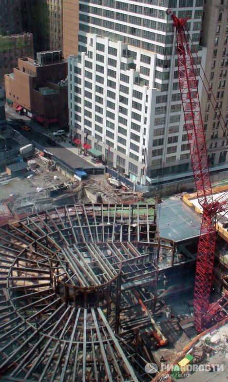 Вид на стройплощадку с 51-го этажа здания ВТЦ-4 в Нью-Йорке