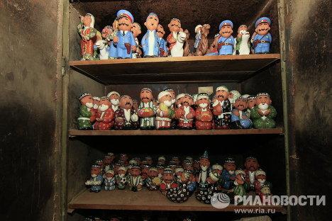 Сувенирные фигурки, изготовленные на предприятии мастеров народного искусства Усто-Зода в Ташкенте.