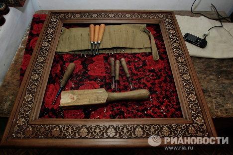 Инструменты в ремесленной мастерской Медресе Абдулкасым-Шейх в Ташкенте
