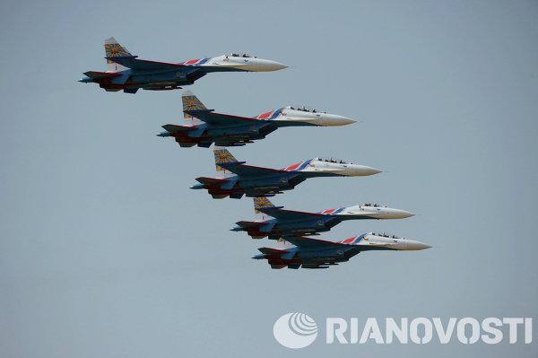 Истребители Су-27 пилотажной группы Русские Витязи