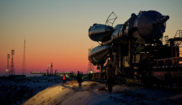Expedition 30 Soyuz Rollout (201112190006HQ)