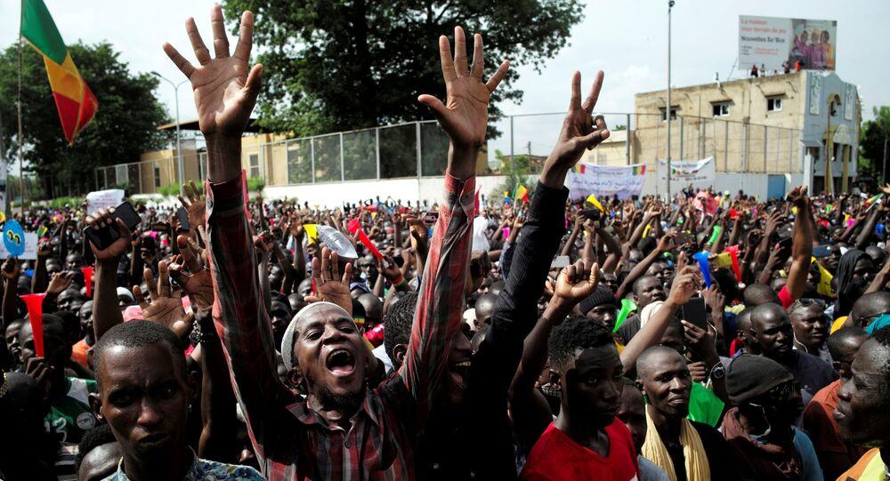 Protesters in Bamako