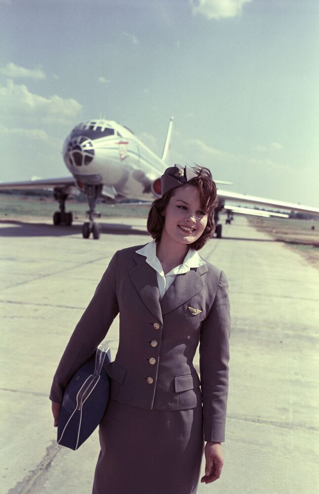The Sky is the Limit! Stunning Vintage Flight Attendants That Make Airlines Look Like Heaven