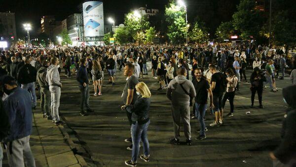 The protests outside the parliament, Belgrade - Sputnik International