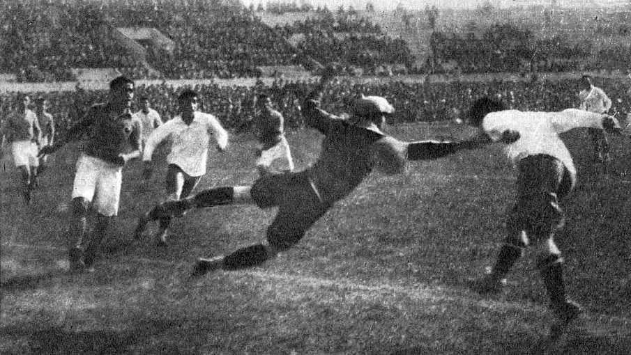 Guillermo Subiabre scores the goal that gave Chile its victory over France at the 1930 World Cup.