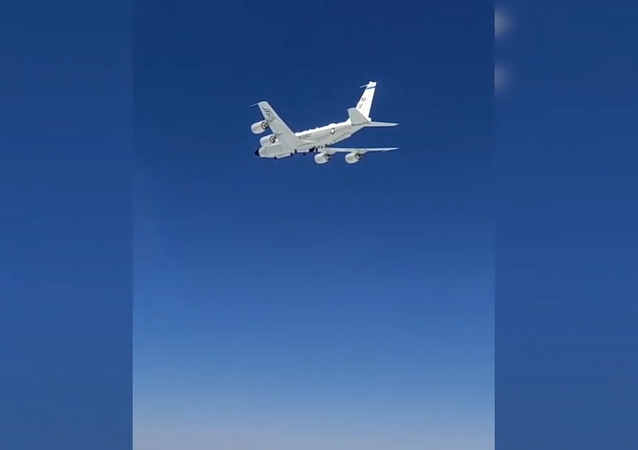 Aerial intercept of a US RC-135 aircraft