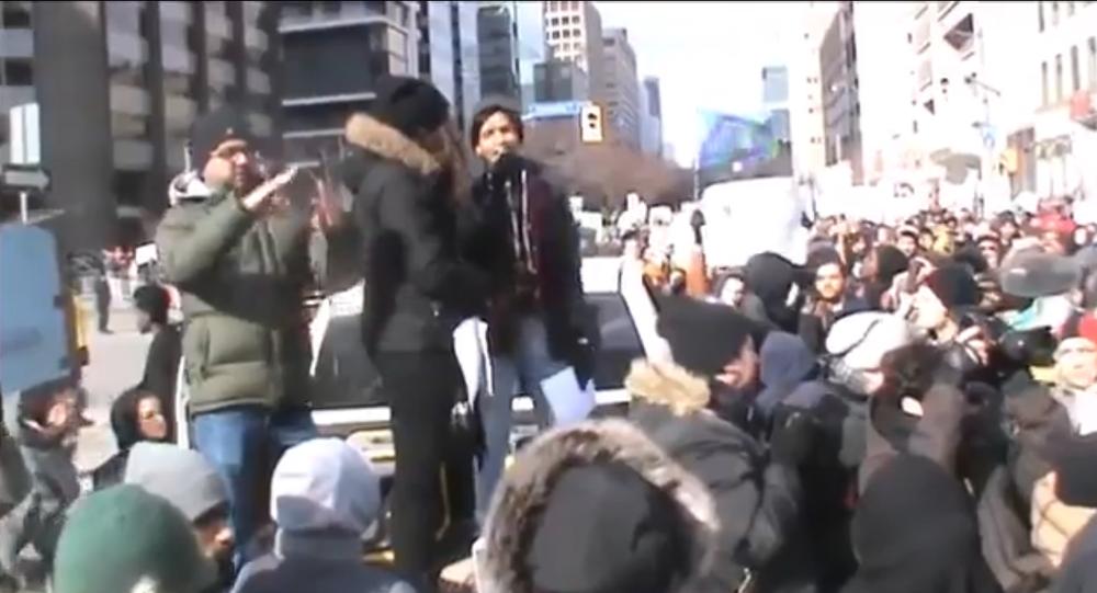 BlackLivesMatter co-founder Yusra Khogali berates Justin Trudeau