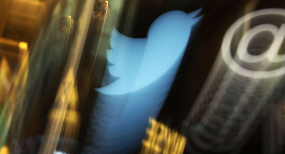 Hackers attacked 130 Twitter accounts, stole private messages from 8
